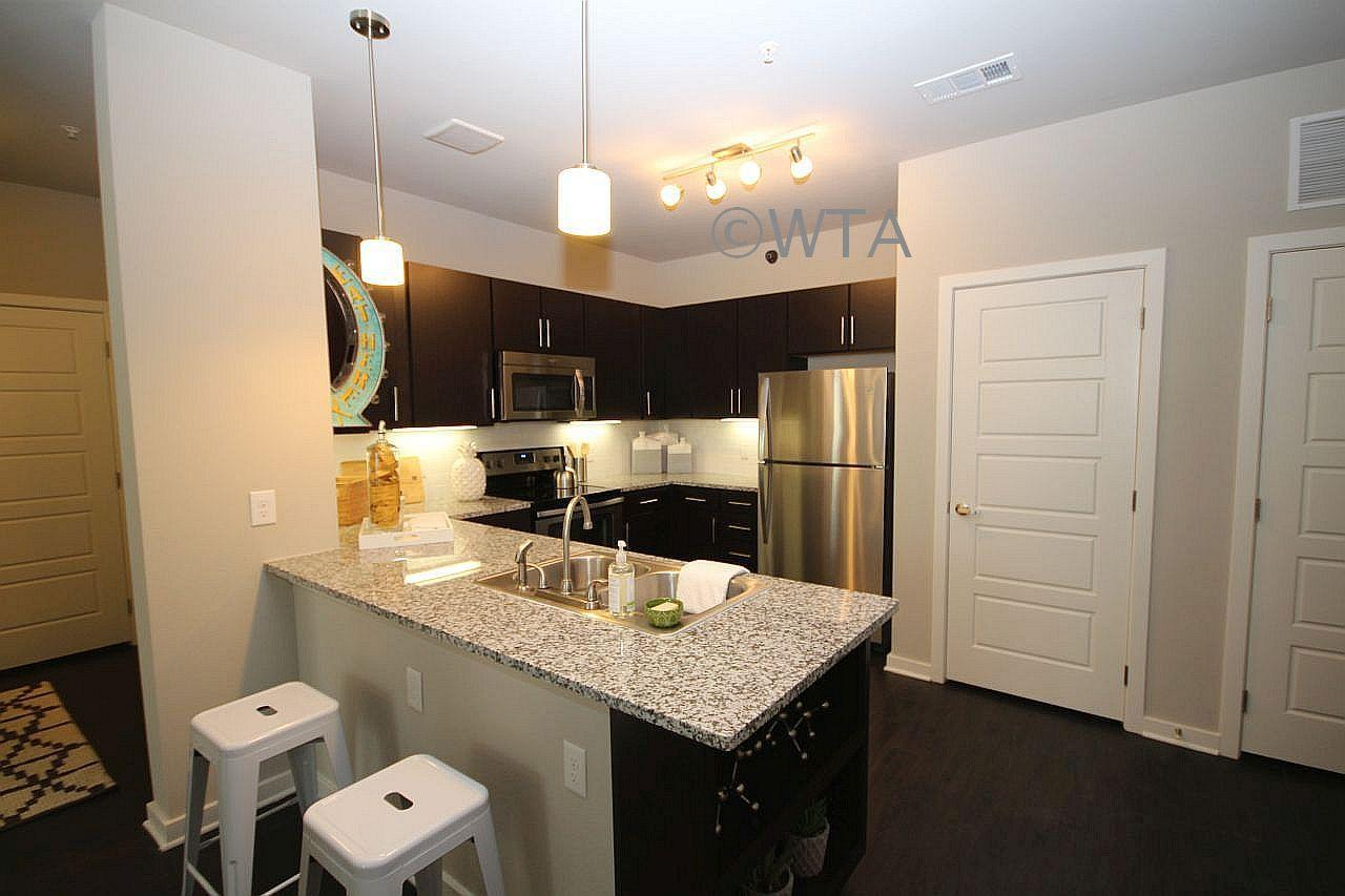 $1628 Three bedroom Apartment for rent
