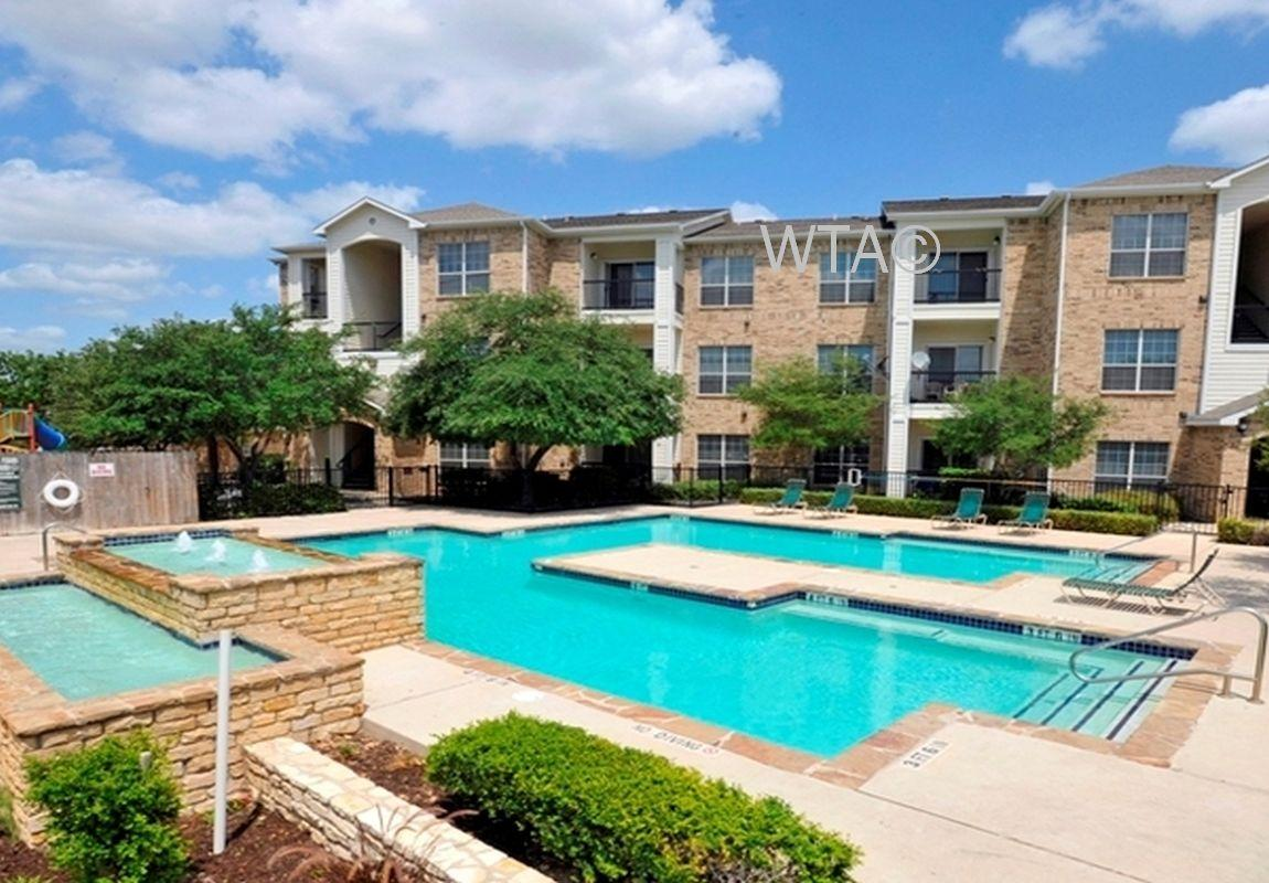 $772 One bedroom Townhouse for rent