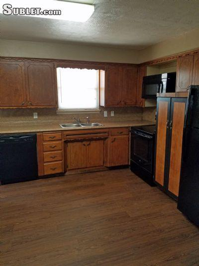 $950 Three bedroom House for rent