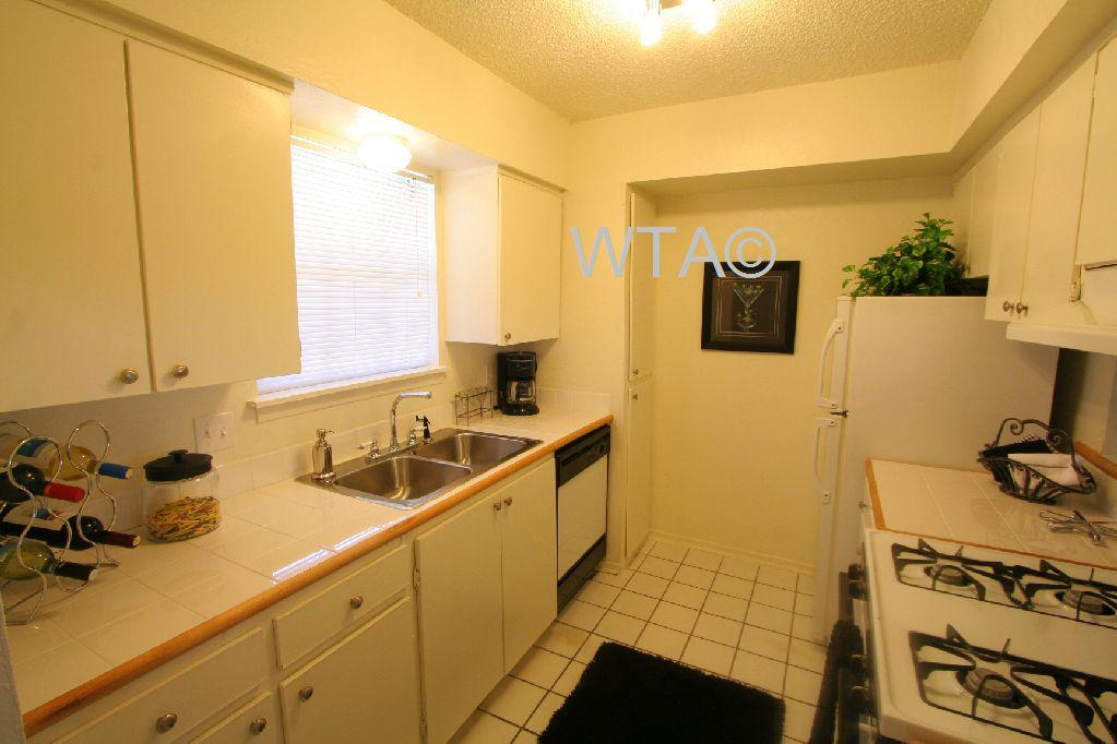 $749 Studio Apartment for rent