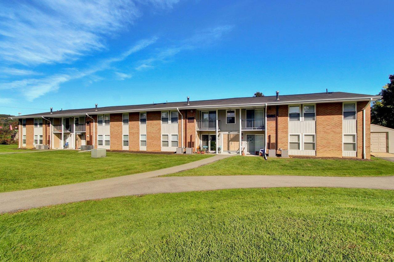 $778 Three bedroom Apartment for rent