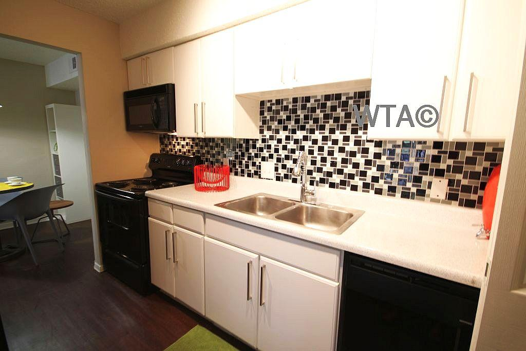 $1082 Two bedroom Apartment for rent