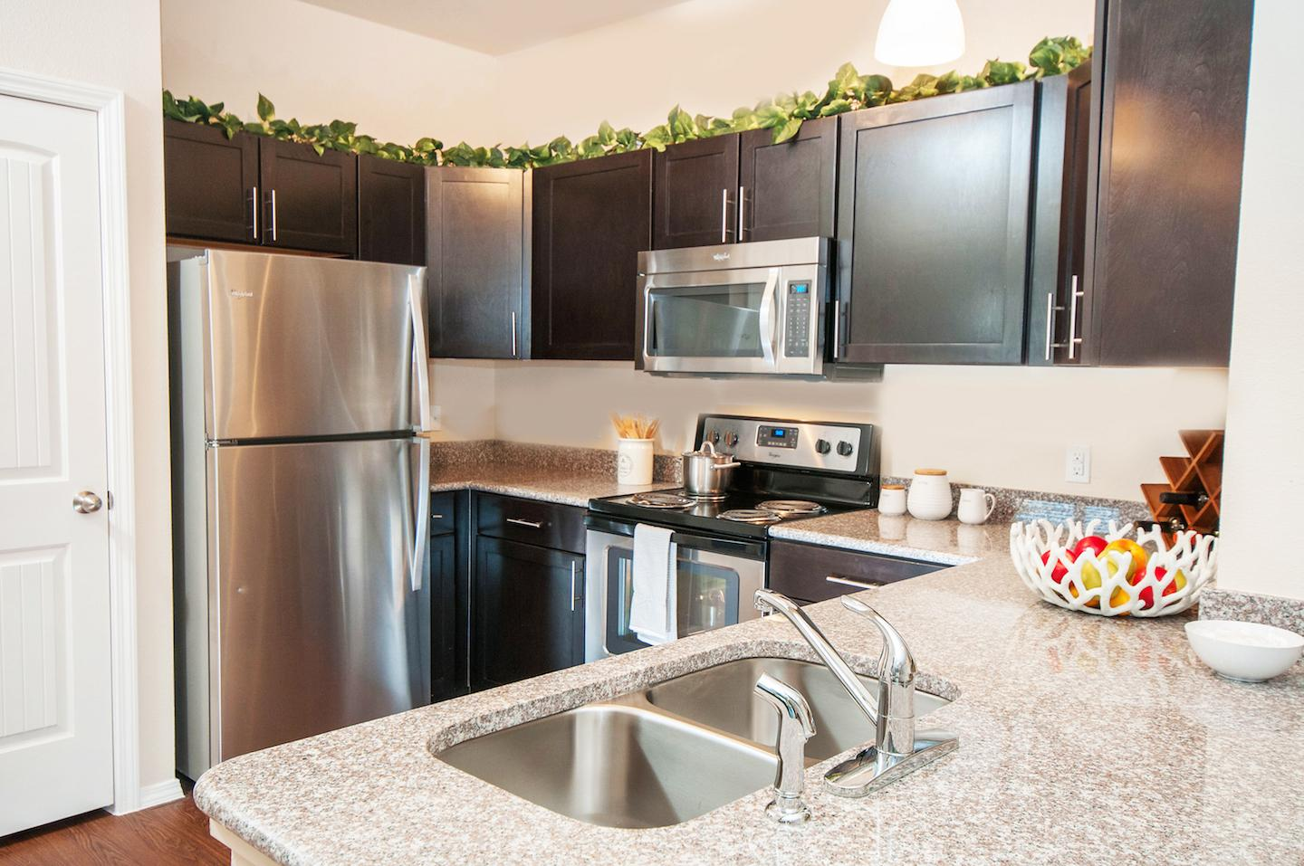 $2530 Three bedroom Apartment for rent
