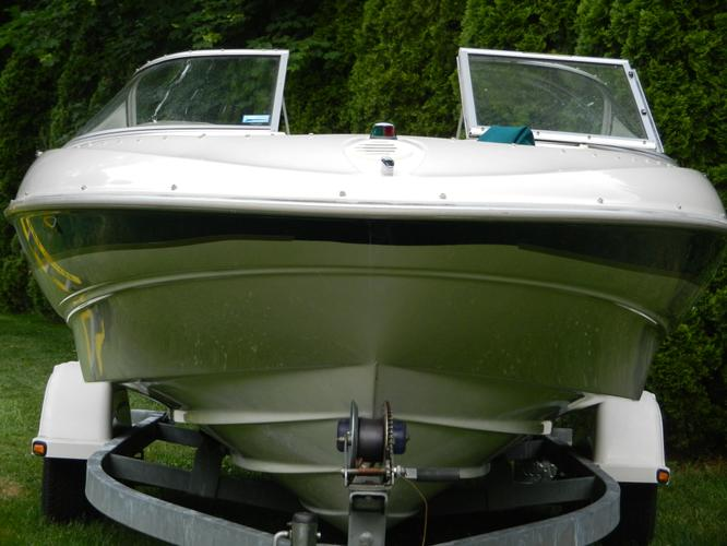 GREAT BUY - - 2000 Bayliner Capri 2050 LX (21ft) with Trailer