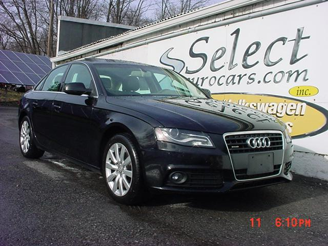 Audi A4 Quattro Premium Plus AT 2011