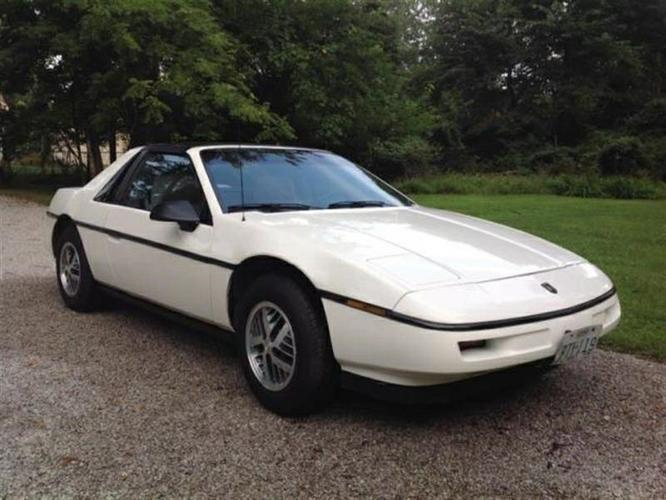 Pontiac Only 25111 Miles