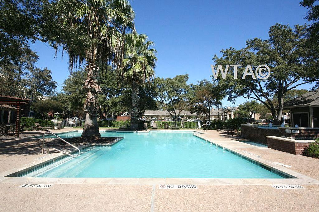 $1051 Two bedroom Apartment for rent