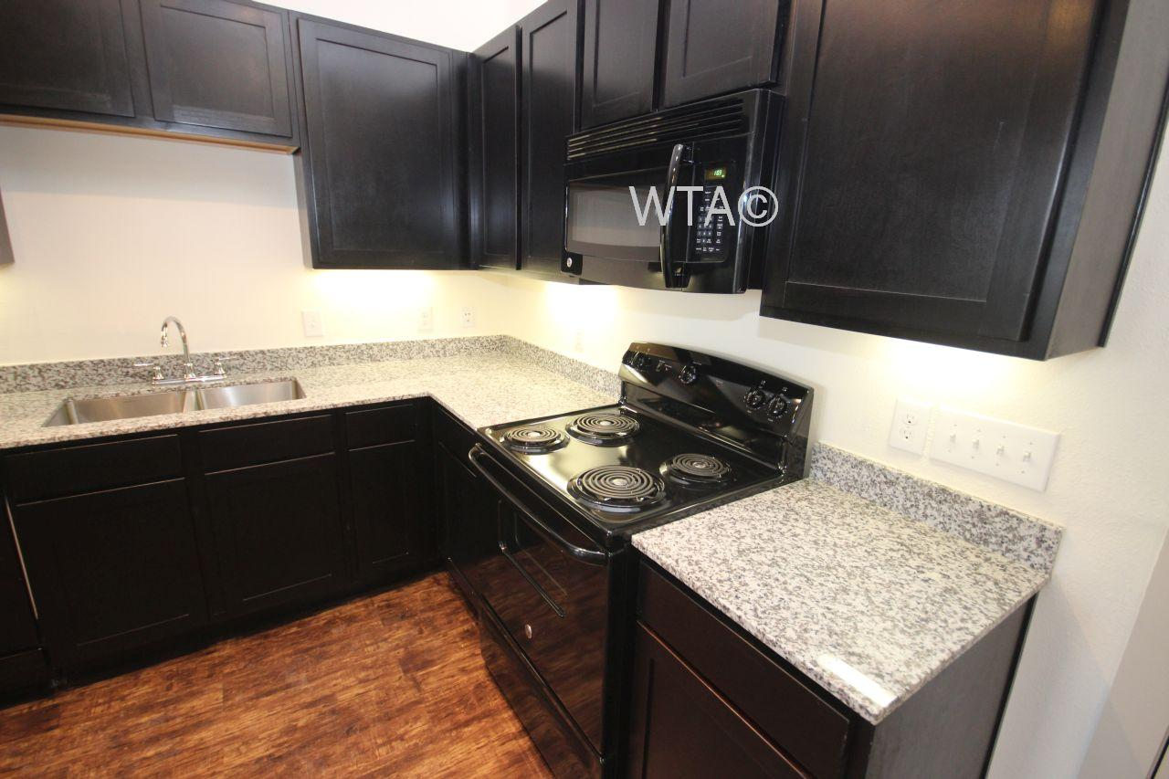 $1889 Three bedroom Apartment for rent