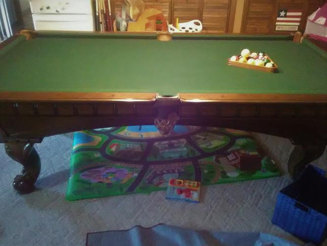 Stunning 8' Am. Heritage Pool Table-FREE DELIVERY and SET-UP INCLUDED!!!