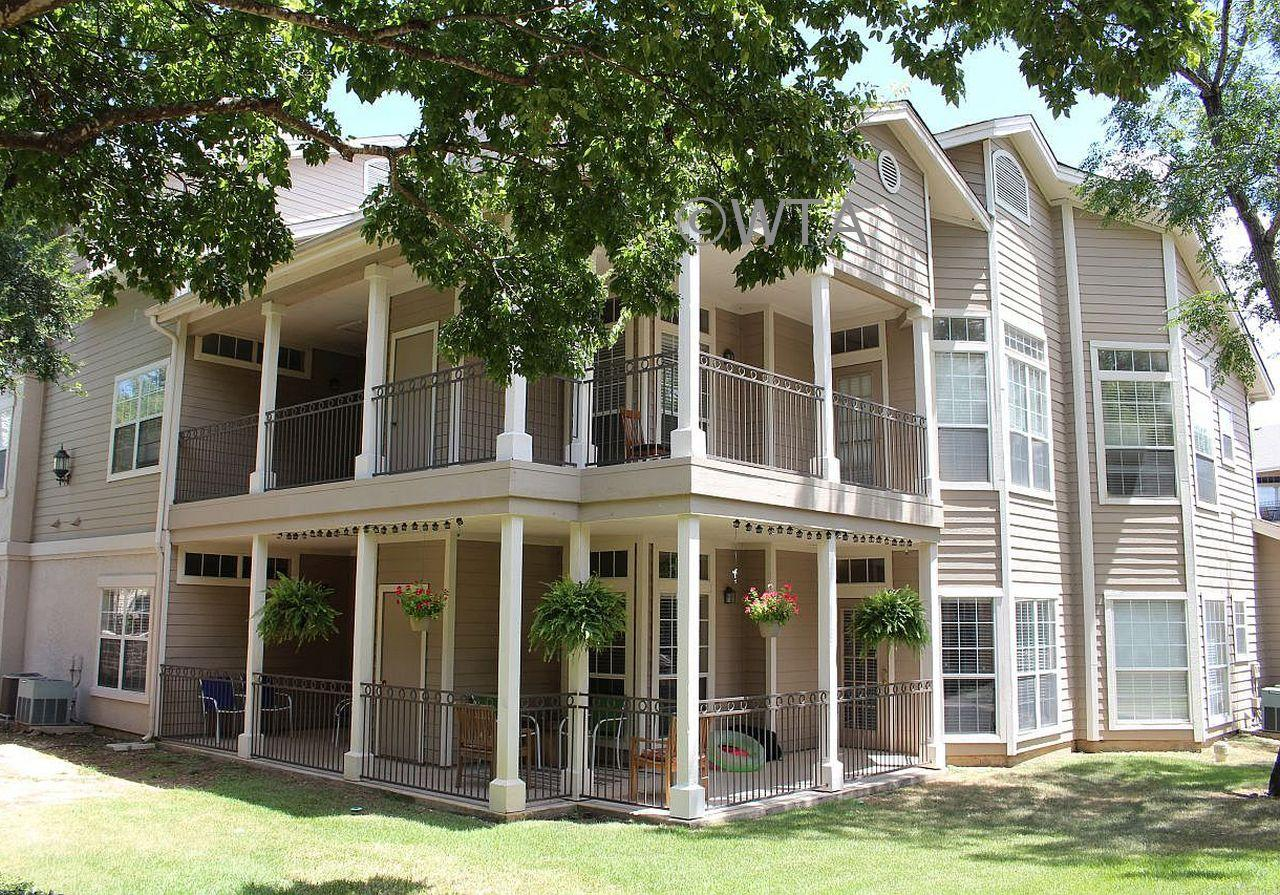 $1500 Three bedroom Apartment for rent
