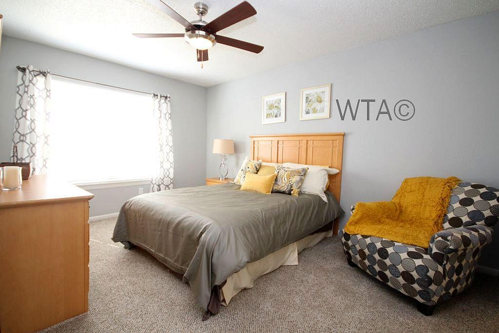 $1558 Three bedroom Townhouse for rent
