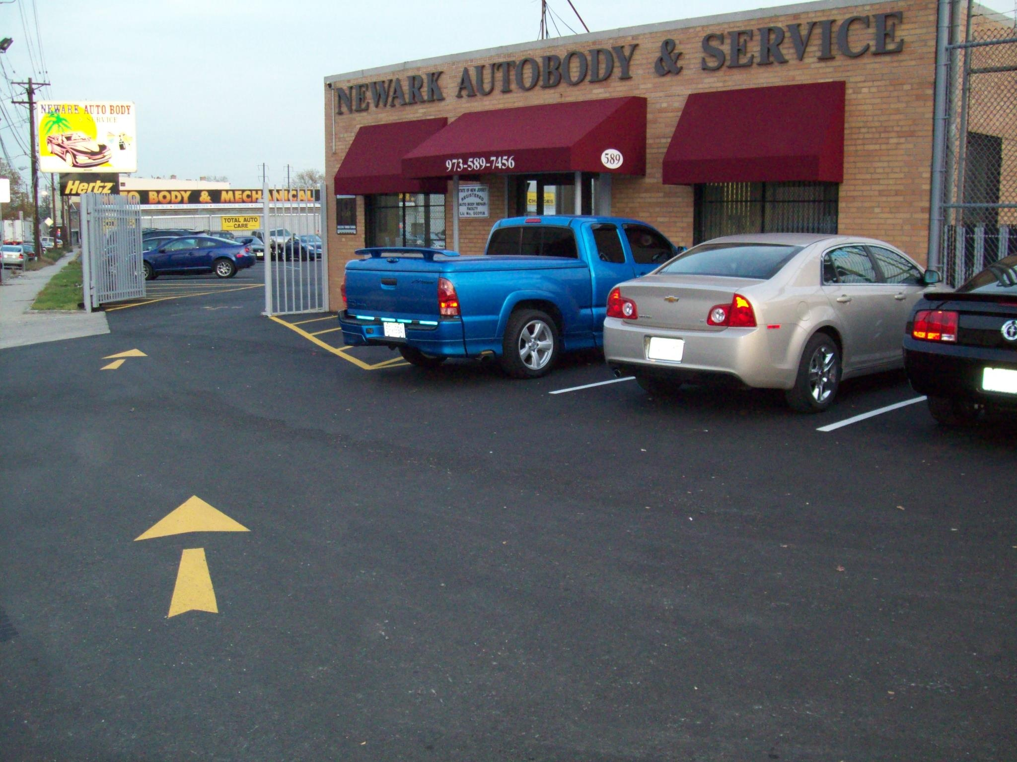 Newark Auto Body and Service