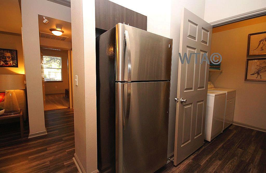 $1718 Three bedroom Apartment for rent