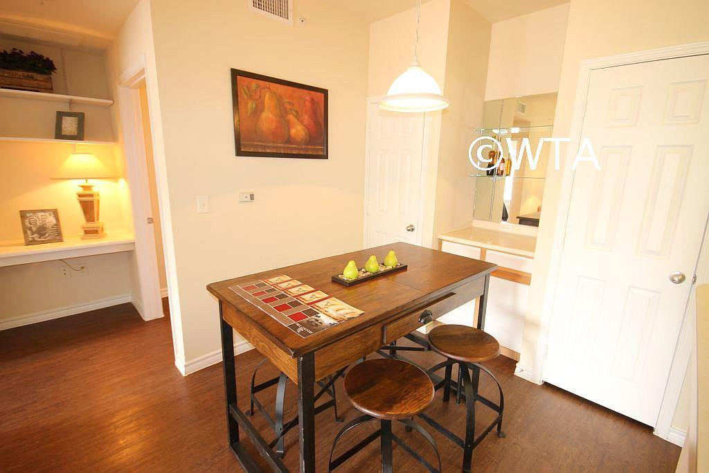 $1365 Three bedroom Townhouse for rent