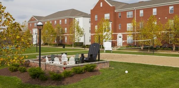 6 MO LEASE AT UNIVERSITY VILLAGE SLIPPERY ROCK!