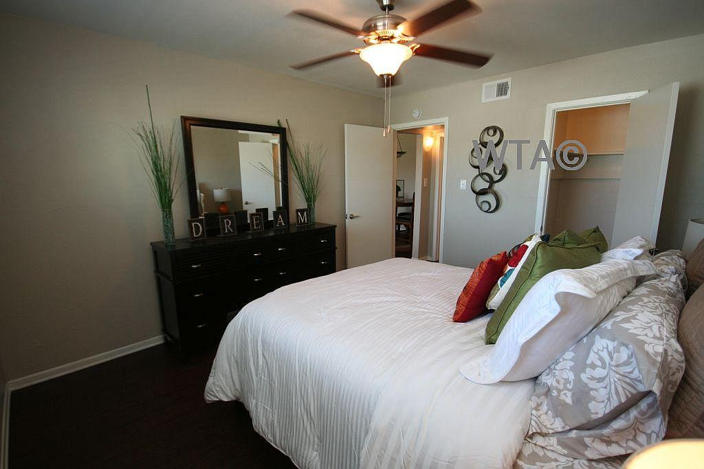 $1118 Two bedroom Apartment for rent