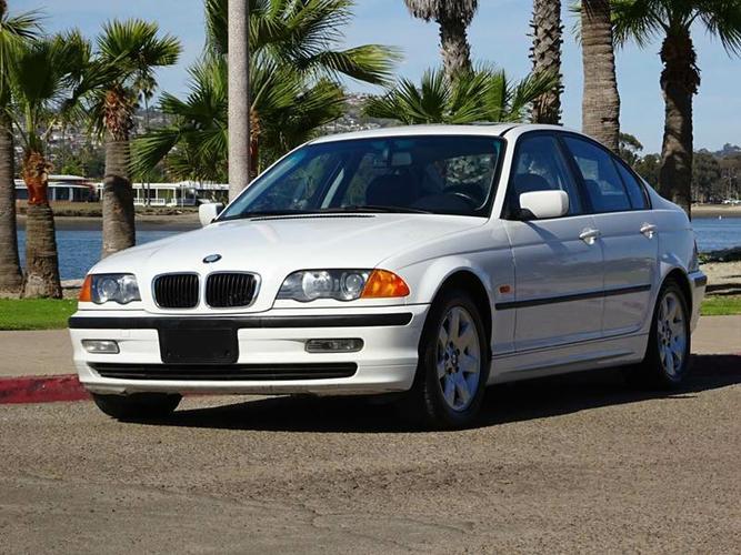 Used White 2000 BMW 3 Series - 323i 4dr Sedan