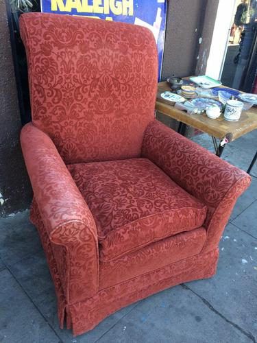 COMFY CHAIR ONLY $20!