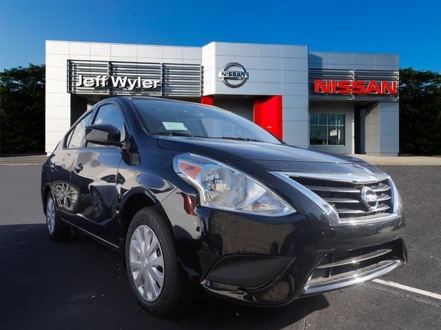 Nissan Versa Sedan S Plus 2017