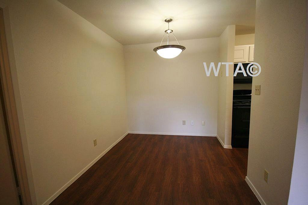 $1111 Two bedroom Apartment for rent