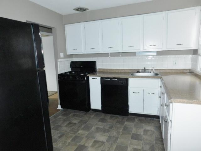 $910 Three bedroom Apartment for rent