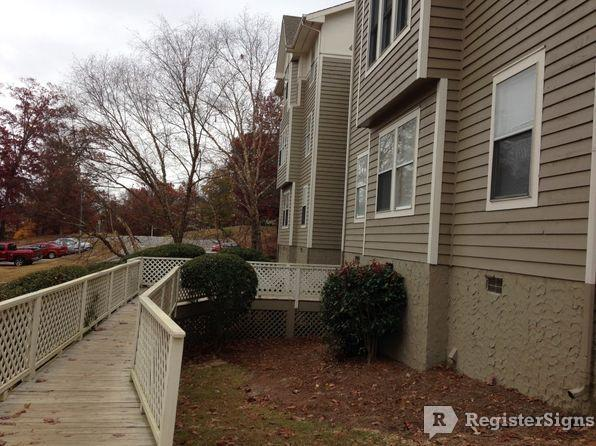 $750 Three bedroom Apartment for rent