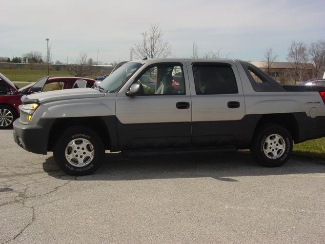2005 4x4 Chevrolet Avalanche Crew Cab LS 1500