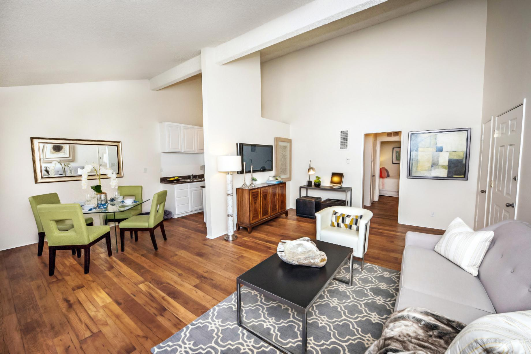 $3055 Two bedroom Apartment for rent