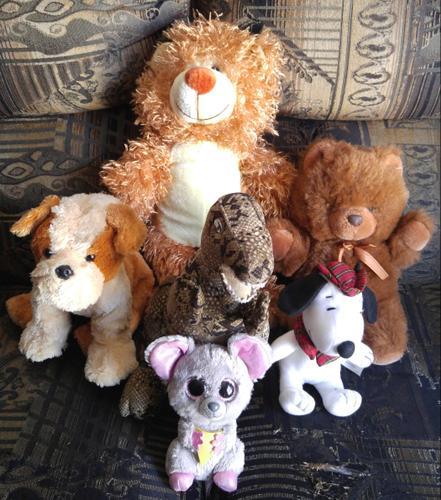 LOT OF 6 STUFFED ANIMALS