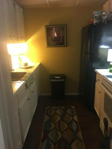 $1325 /month Large 2 bedrooms 2 bath condo and a Florida Room in the heart of Media, PA