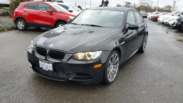 BMW M3 BASE 2011