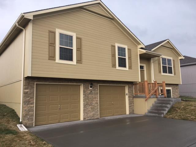 $1495 Four bedroom Apartment for rent