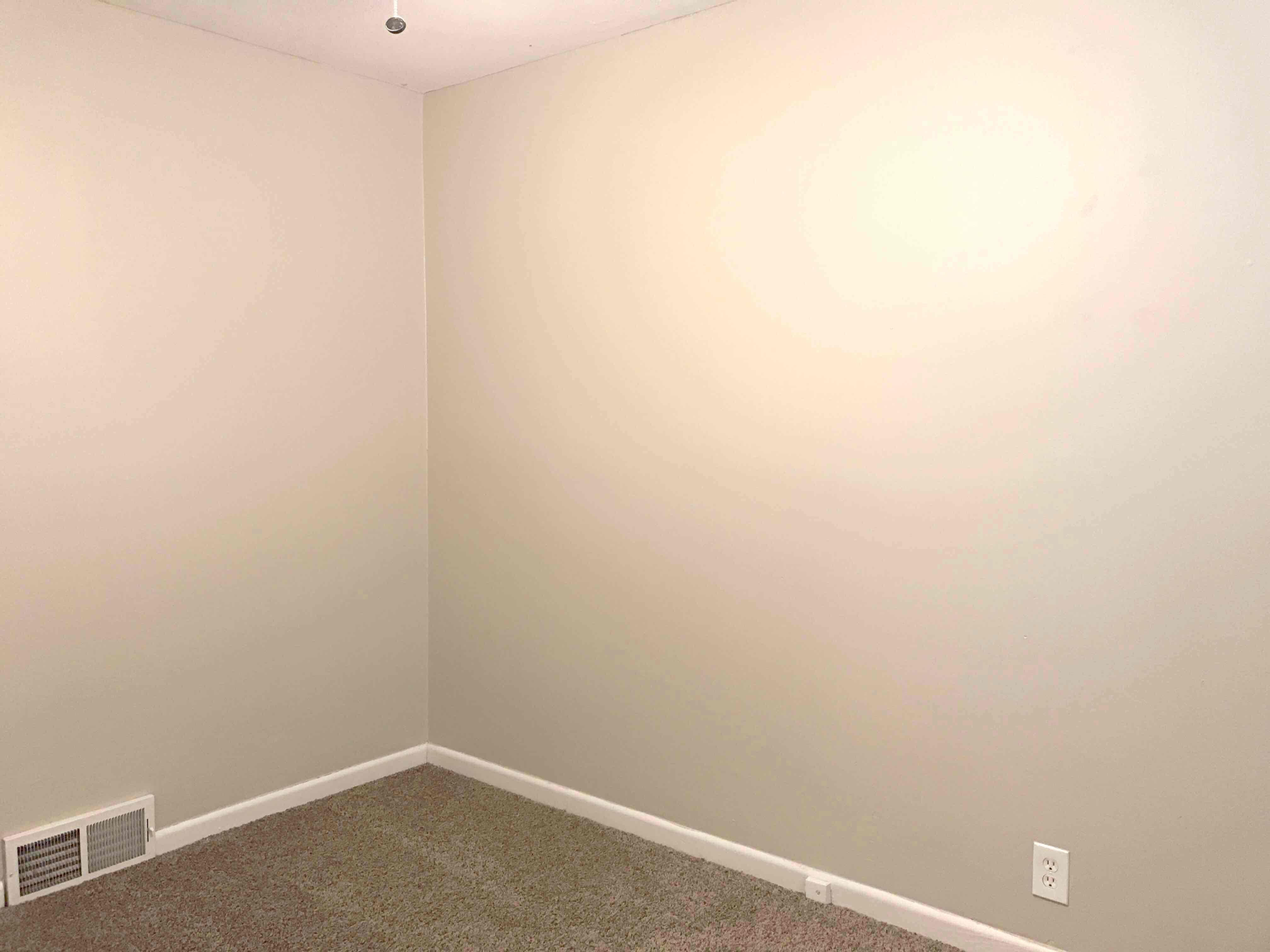 $985 Four bedroom Apartment for rent