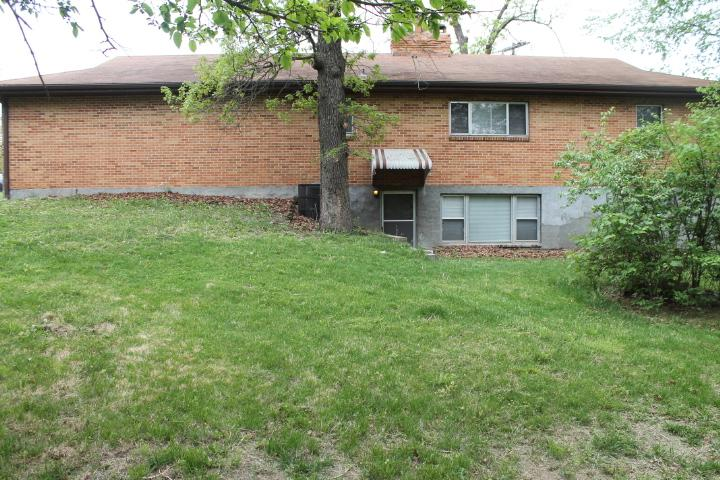 $1050 Four bedroom Apartment for rent