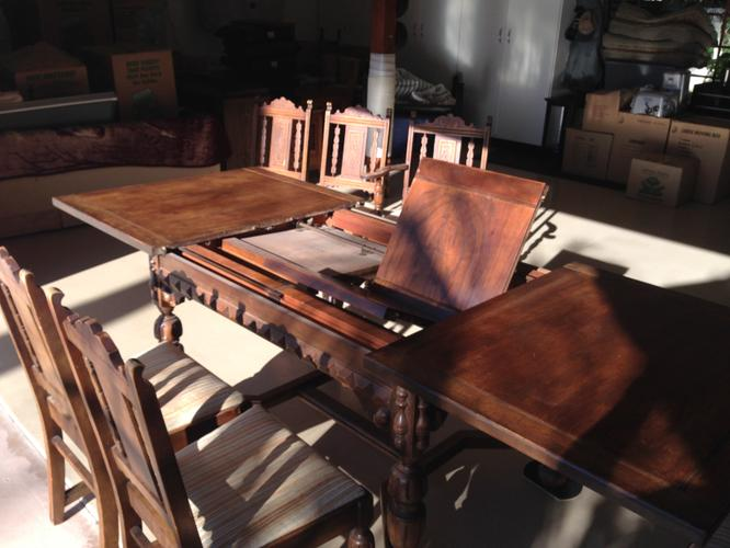 Beautiful Spanish Revival Dining Room Table & 6 Chairs
