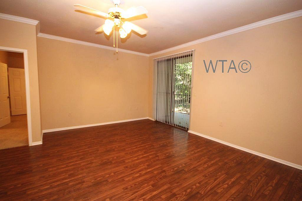 $1355 Three bedroom Apartment for rent