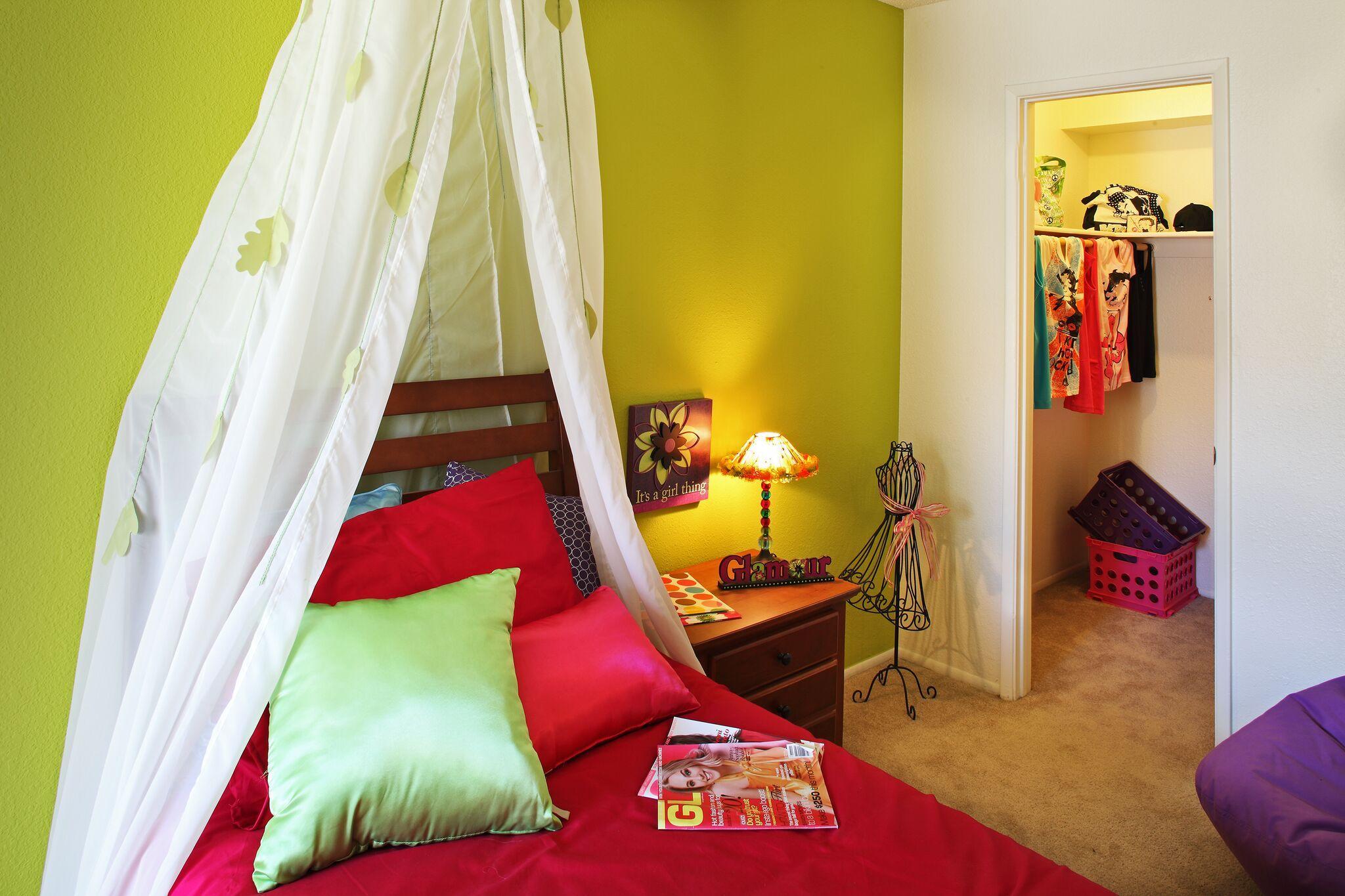 $870 Studio Apartment for rent