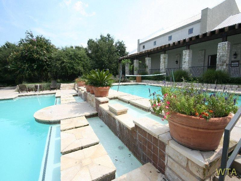 $1850 Three bedroom Apartment for rent