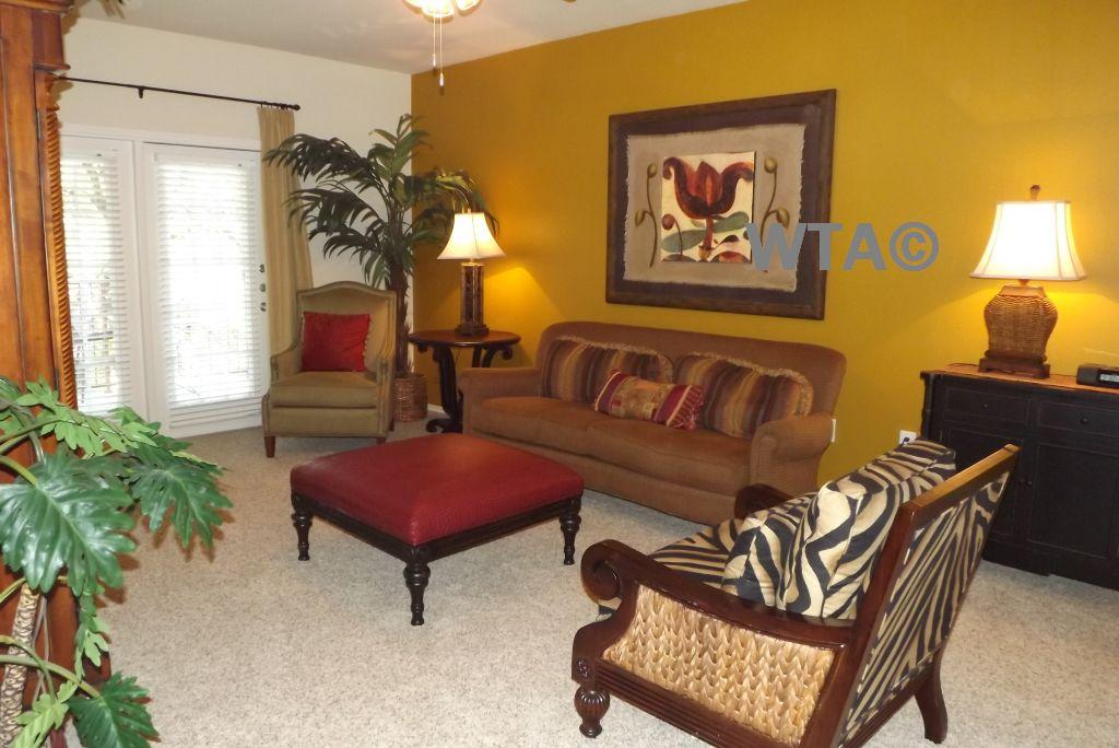 $1825 Three bedroom Apartment for rent