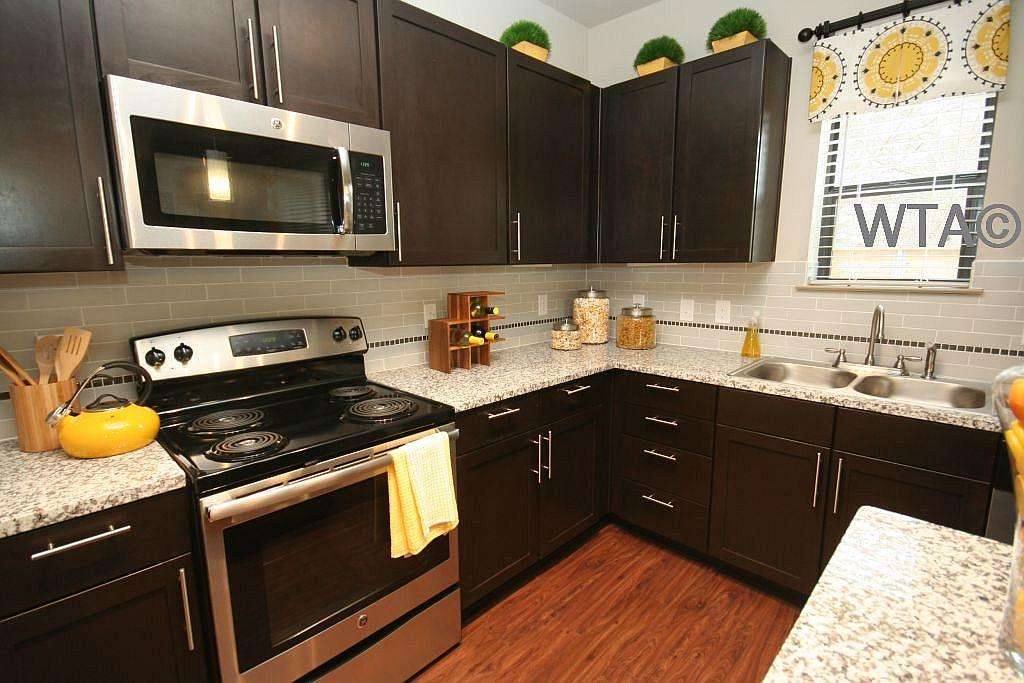 $914 One bedroom Townhouse for rent