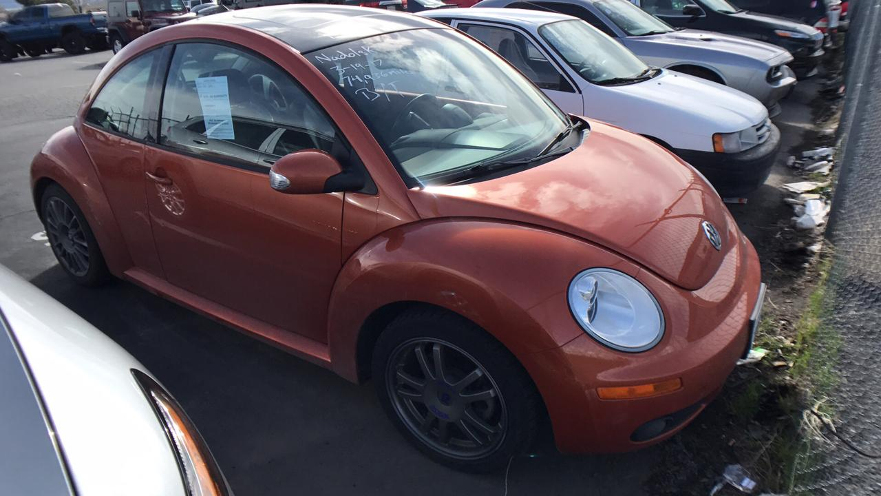 Volkswagen New Beetle Coupe 2.5L 2010