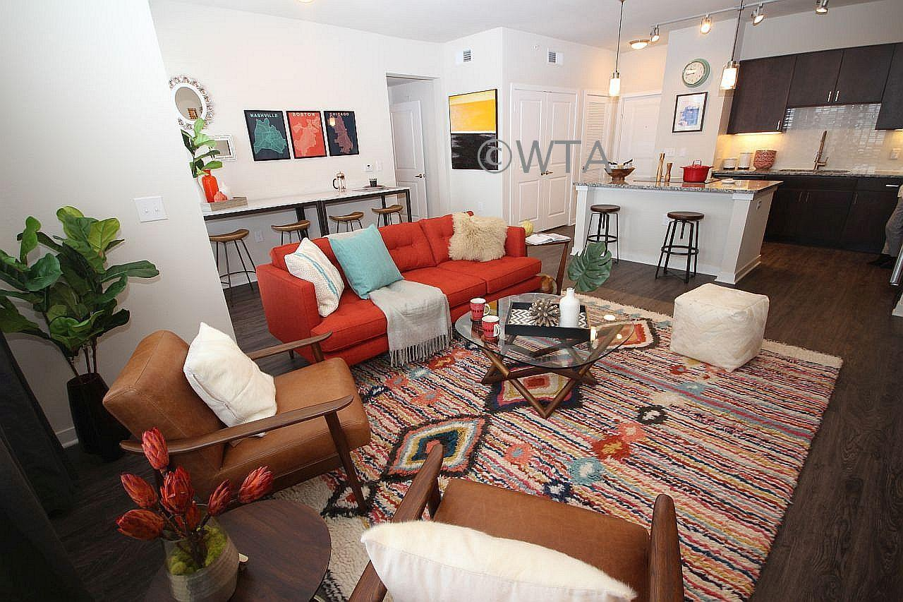 $2433 Three bedroom Apartment for rent