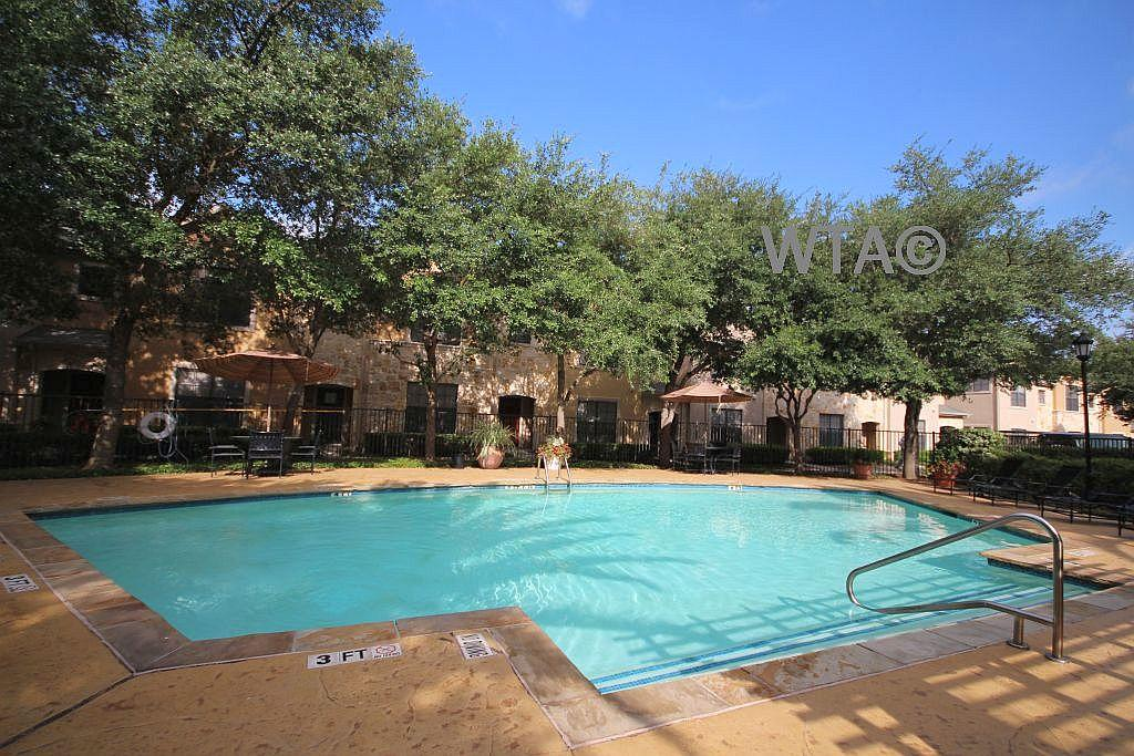 $2099 Two bedroom Townhouse for rent