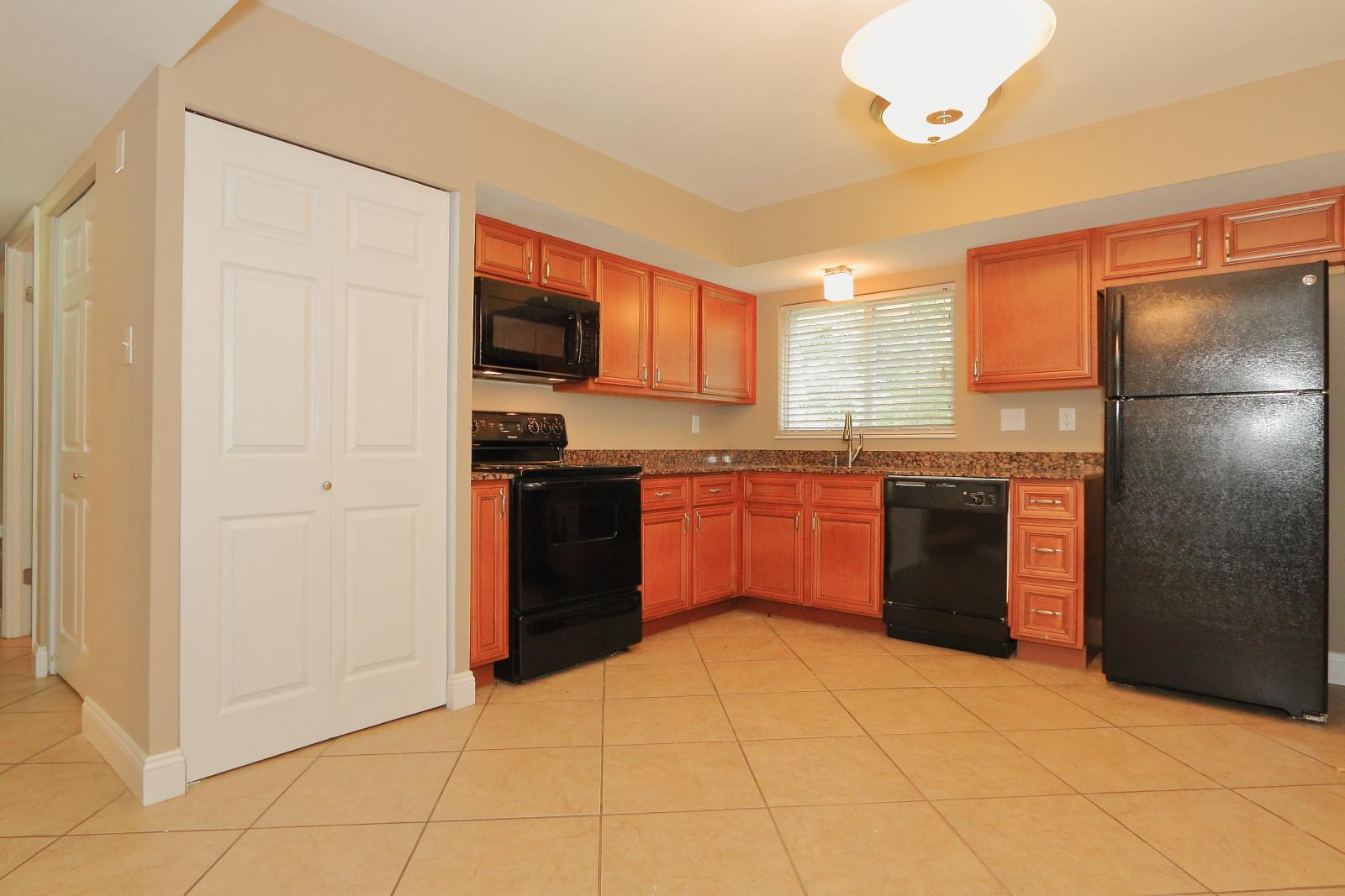 $1600 Four bedroom Apartment for rent