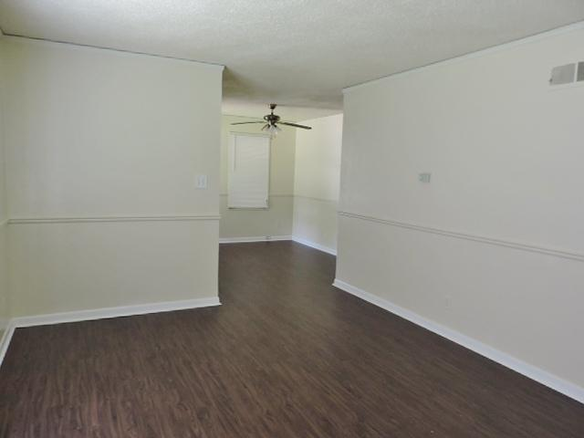 $905 Three bedroom Apartment for rent