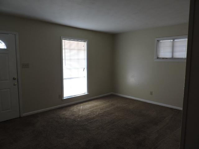 $920 Three bedroom Apartment for rent