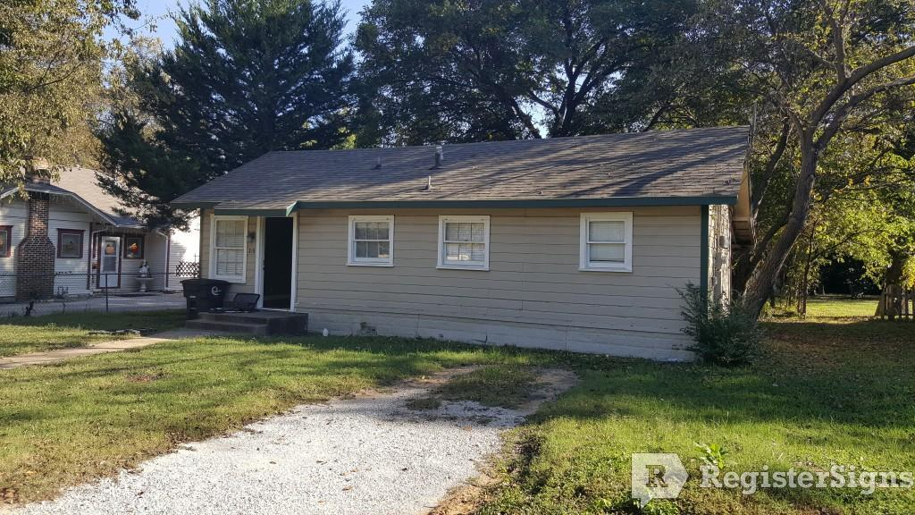 $700 One bedroom Townhouse for rent