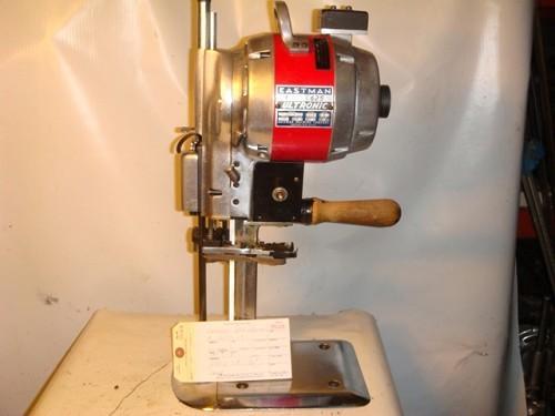 EASTMAN 625 ULTRONIC FABRIC CUTTING MACHINE