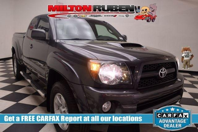Toyota Tacoma 2WD Access V6 Automatic PreRunner 2011