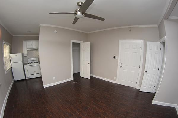 $1225 Studio Apartment for rent
